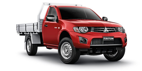 Mitsubishi Triton : Outgoing model to be sold alongside new-generation ute