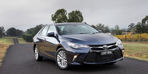 2015 Toyota Camry pricing and specifications