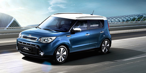 2016 Kia Soul : Manual dropped, price up $500, two-tone paint now standard
