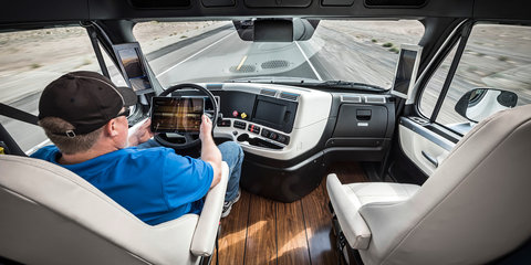 Freightliner Inspiration self-driving truck approved for Nevada trials