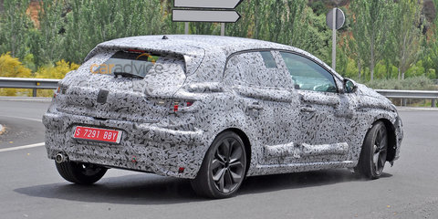 2016 Renault Megane spy photos