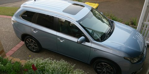 2015 Mitsubishi Outlander Aspire Phev Hybrid Review