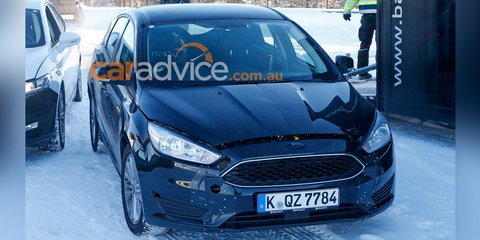 2017 Ford Focus mule spy photos