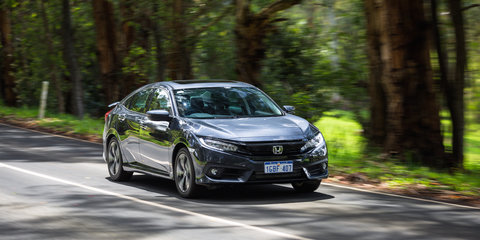 Honda Civic RS v Hyundai Elantra SR Turbo comparison