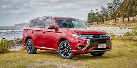 2017 Mitsubishi Outlander PHEV pricing and specs
