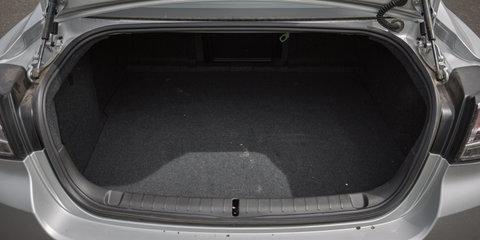 2018 Kia Stinger 330Si v Holden Commodore SS-V Redline comparison
