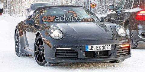 2019 Porsche 911 Cabrio spied with manual
