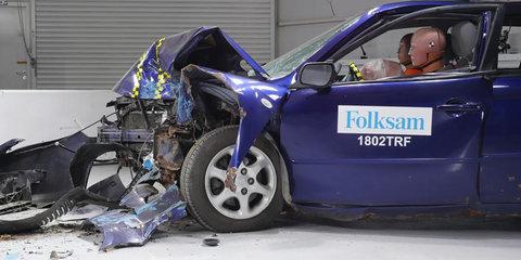 Rusty cars flunk crash tests - video