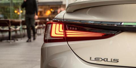 2019 Lexus ES pricing and specs