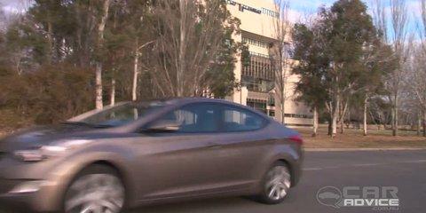 Hyundai Elantra Video Review I