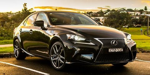 2015 Lexus IS300h Review