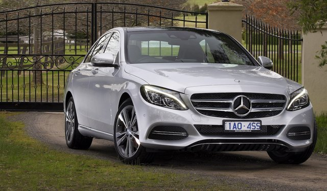 2013-15 Mercedes-Benz C-Class added to Takata recall
