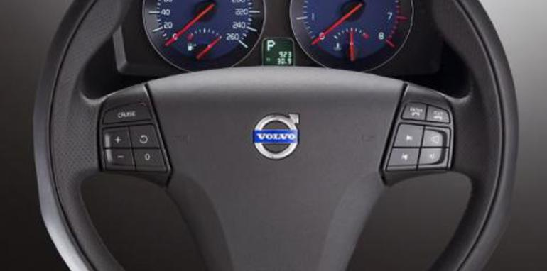 Volvo R-Design steering