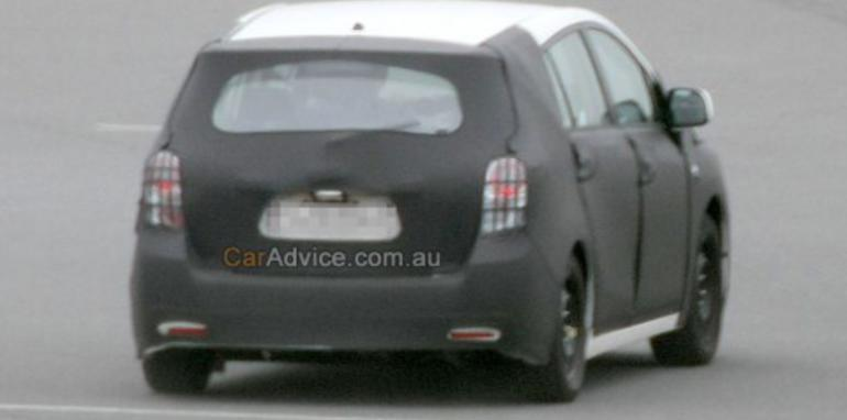 2009 Toyota Auris Verso spied
