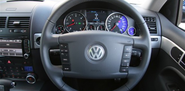 tc-r50-steering-wheel.jpg