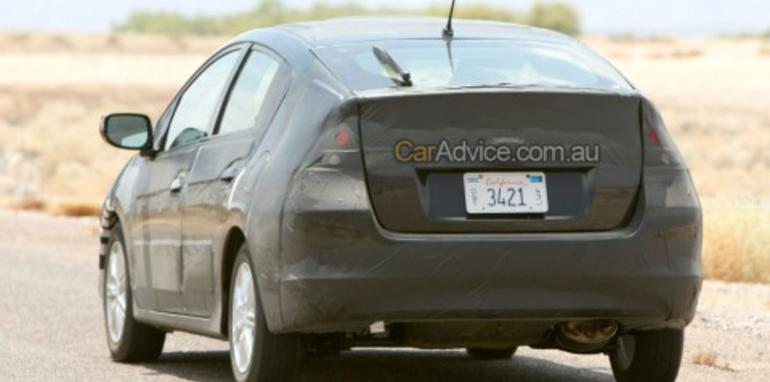 Honda hybrid spy photos (FCX)