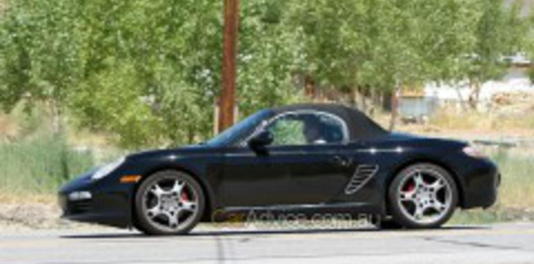Spied: 2009 Porsche Boxster and Cayman