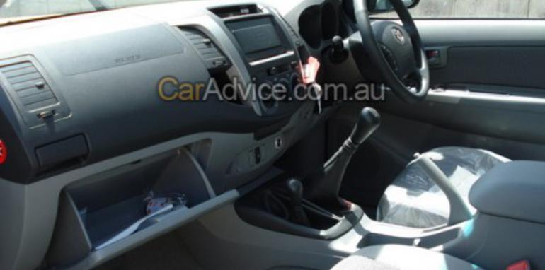 2009 Toyota HiLux interior