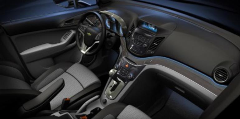 Chevrolet Orlando crossover concept