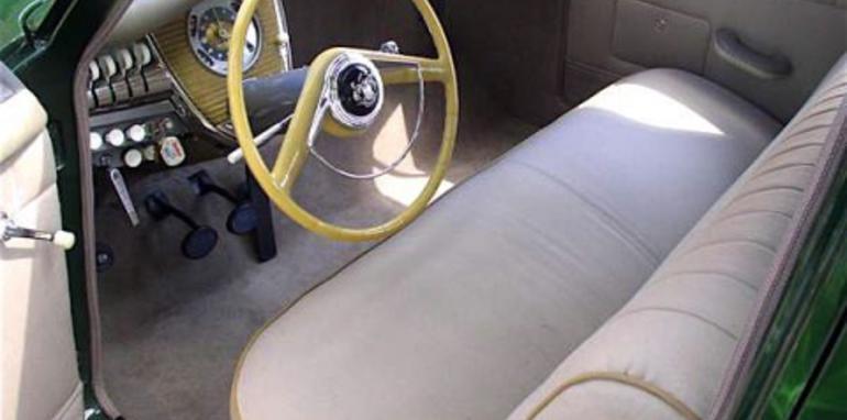 1948tuckerfrontseat.jpg