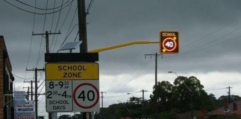school_zone_signage_009