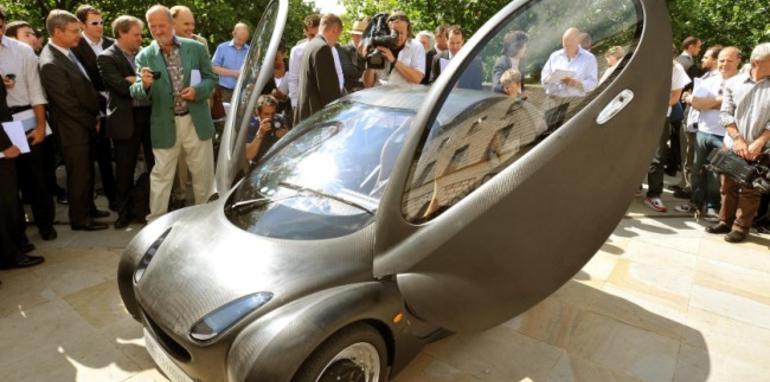 British hydrogen-powered urban car debuts