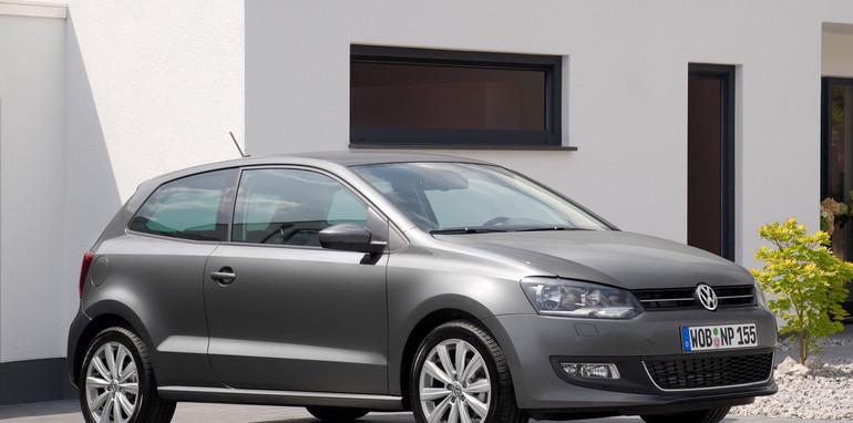 2010_Volkswagen_polo_file_004