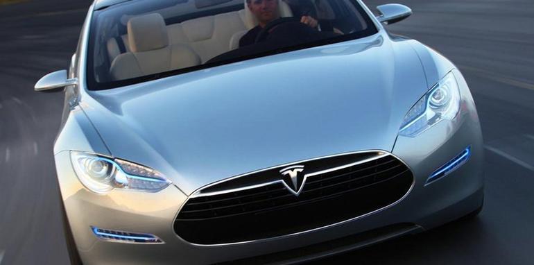 2011_Tesla_S_file_002