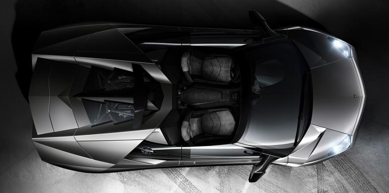 027_reventon_roadster_top_blk_mid