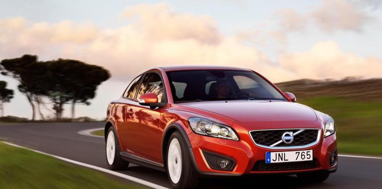 2010-Volvo-C30-001