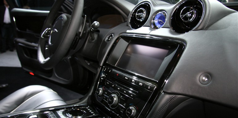 XJ dash from right