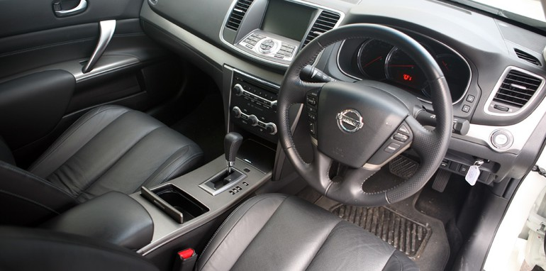 Nissan_Interior