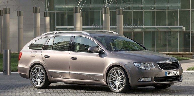 2011-Skoda-Superb-Estate-3