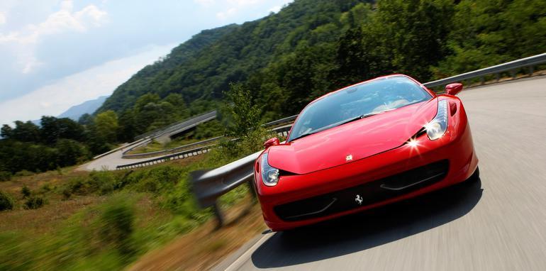 2010-Ferrari-458-Italia-Winding-Road-1920x1440