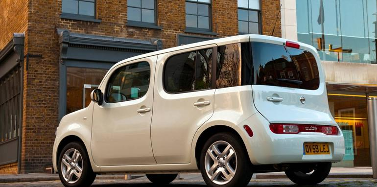 2010_Nissan_Cube_file_102
