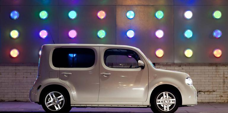 2010_Nissan_Cube_file_103