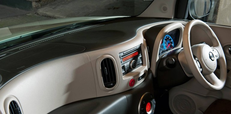 2010_Nissan_Cube_file_104