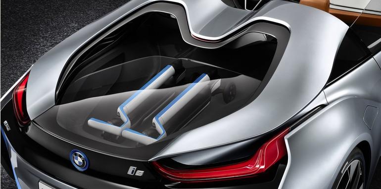 BMW i8 Spyder engine detail