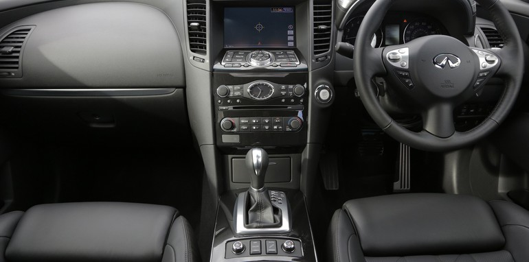 Infiniti FX50S - Interior