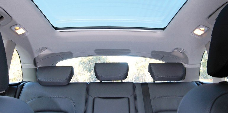 Audi Q5 - Glass Sunroof