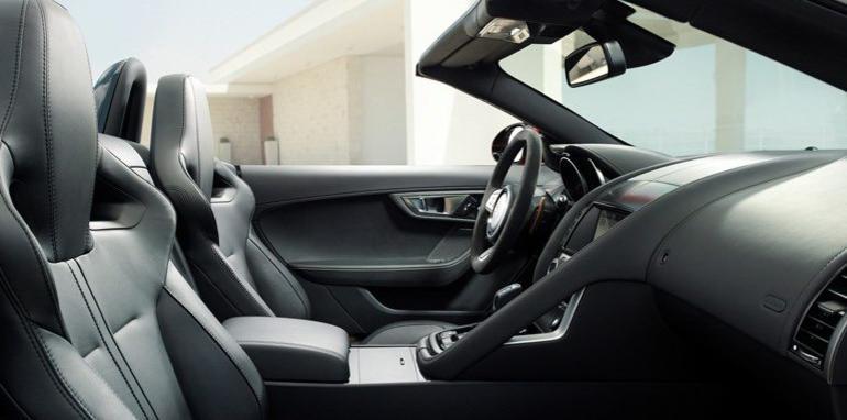Jaguar F-Type Roadster - 10