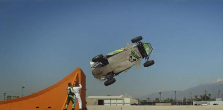 Team Hot Wheels - Corkscrew Stunt