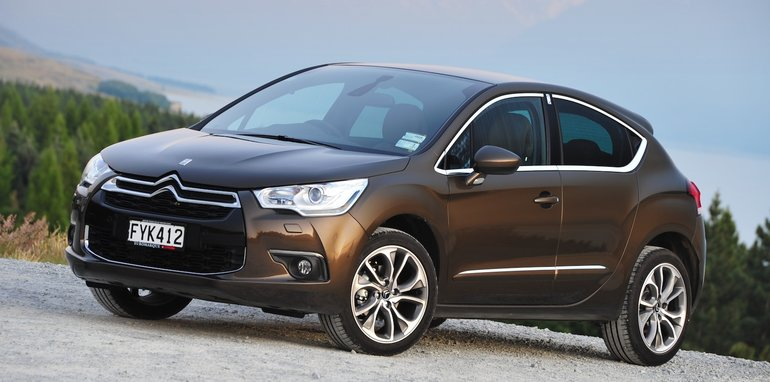 2011 15 citroen c4 ds4 recalled for bonnet fix. Black Bedroom Furniture Sets. Home Design Ideas