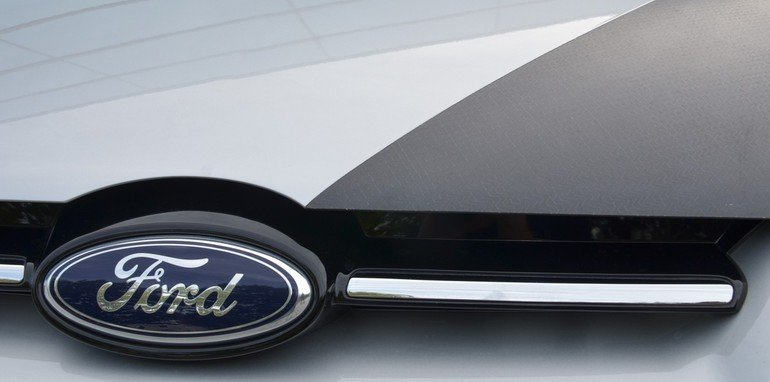 Ford Focus CFRP Bonnet - 1