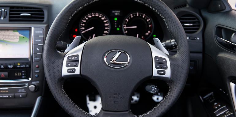 Lexus IS 250C F Sport - 4
