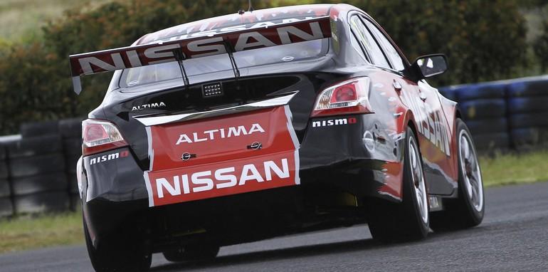 Nissan Altima V8 Supercar - 2