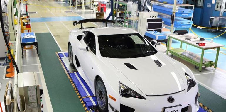 Lexus LFA off production line