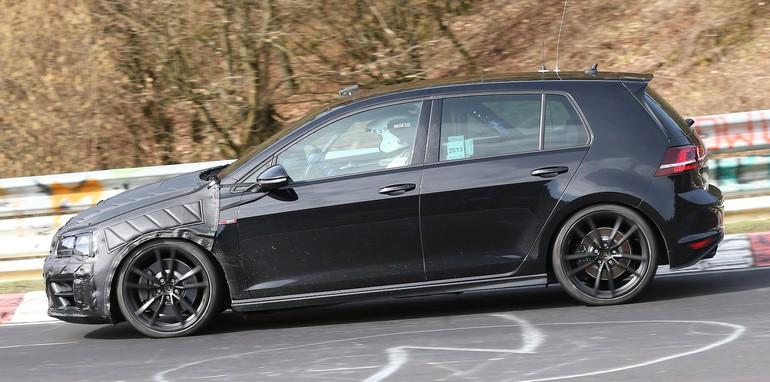 VW Golf R spy 1