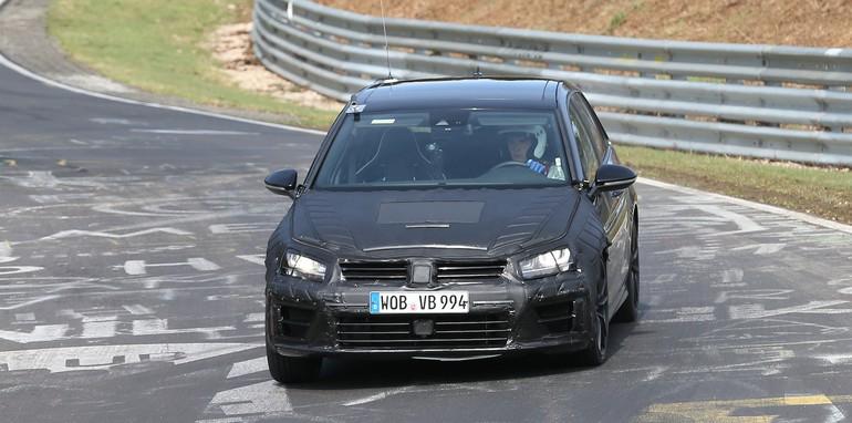 VW Golf R spy 4