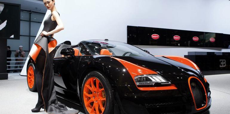 bugatti-veyron-grand-sport-vitesse-world-record-car-edition-1